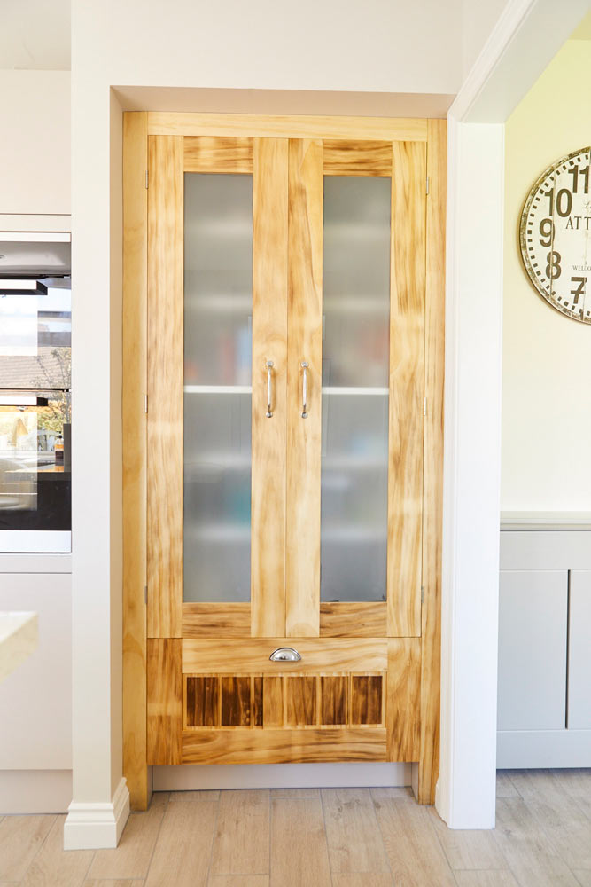 https://richardpearcewoodwork.com/wp-content/uploads/sites/6/2017/09/bespoke-cupboard-doors-richard-pearce-woodwork-joinery-cornwall.jpg