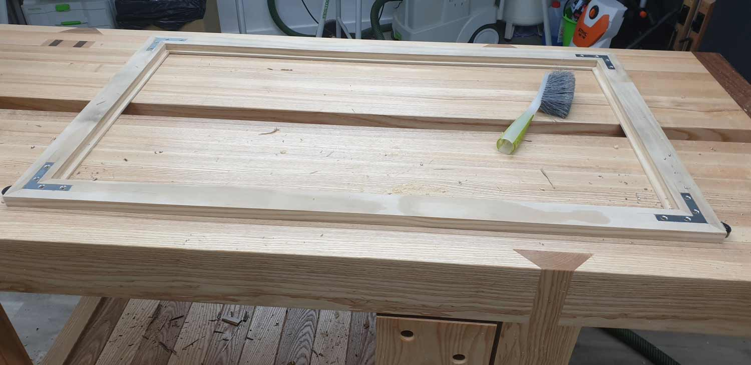 picture frame making cornwall fitting the inlayed brackets2