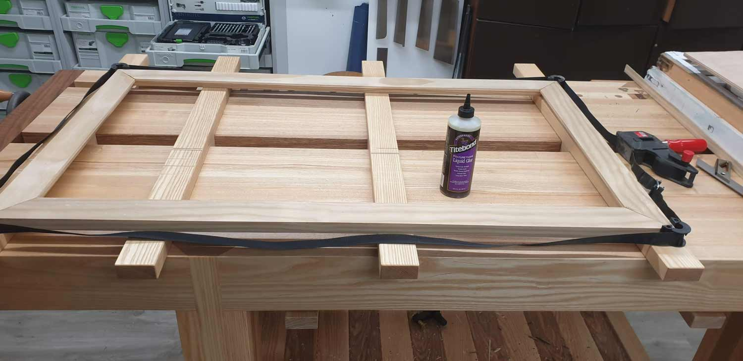picture frame making cornwall glueing